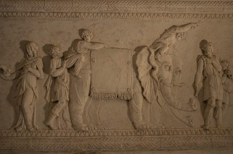 Stuccoed elephants - Loggia e Odeo Cornaro - Padua, Veneto, Italy - www.rossiwrites.com