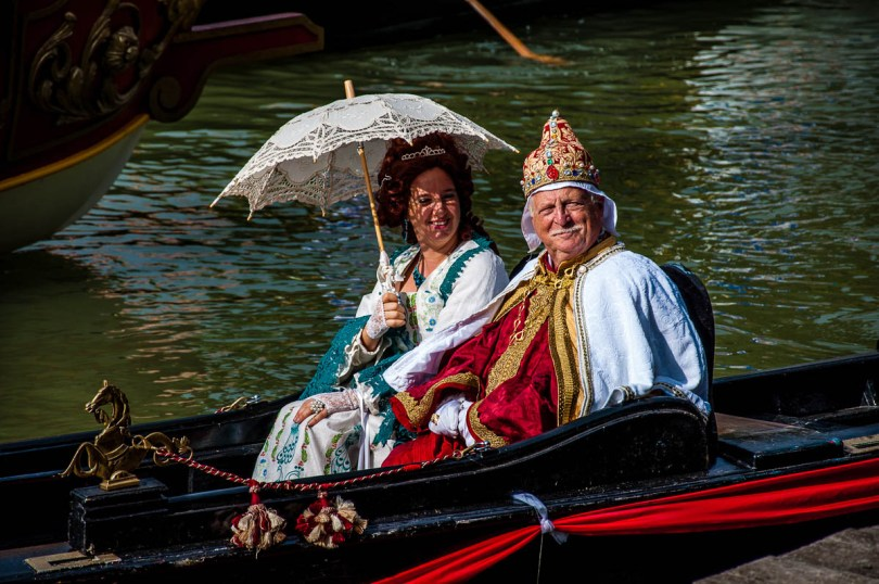 The Venetian Doge and the dogaressa in his gondola - Riviera Fiorita - Villa Pisani - Stra, Veneto, Italy - www.rossiwrites.com