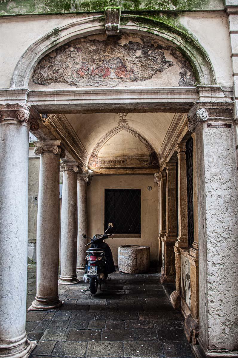 Selciato San Nicolo' - Padua, Italy - rossiwrites.com