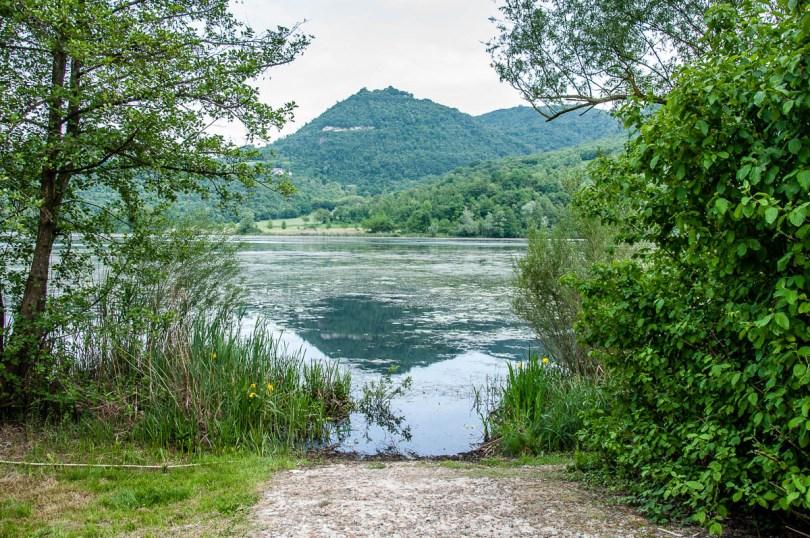 Lake view - Lake Fimon, Arcugnano, Vicenza, Veneto, Italy - www.rossiwrites.com