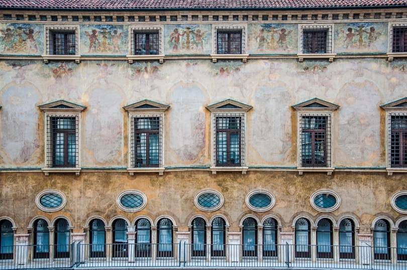 Palazzo del Monte di Pietà, Piazza dei Signori - Vicenza, Italy - www.rossiwrites.com