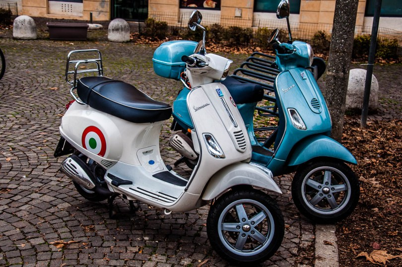 Two Vespas - Vicenza, Italy - www.rossiwrites.com
