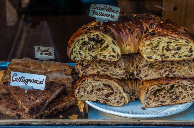 Traditional Italian baked goods - Bassano del Grappa, Italy - Italian food - www.rossiwrites.com
