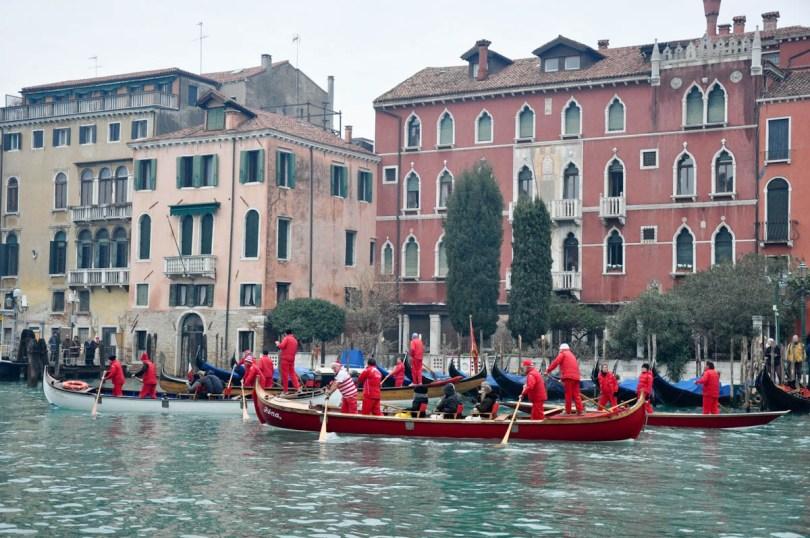 Regata dei Babbi Natale - Venice, Veneto, Italy - www.rossiwrites.com