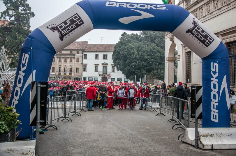 Santa Run 2018 - Vicenza, Veneto, Italy - rossiwrites.com