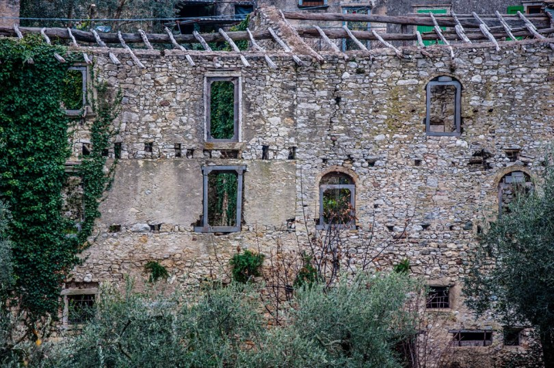 The windows of the medieval village - Campo di Brenzone, Lake Garda, Italy - www.rossiwrites.com