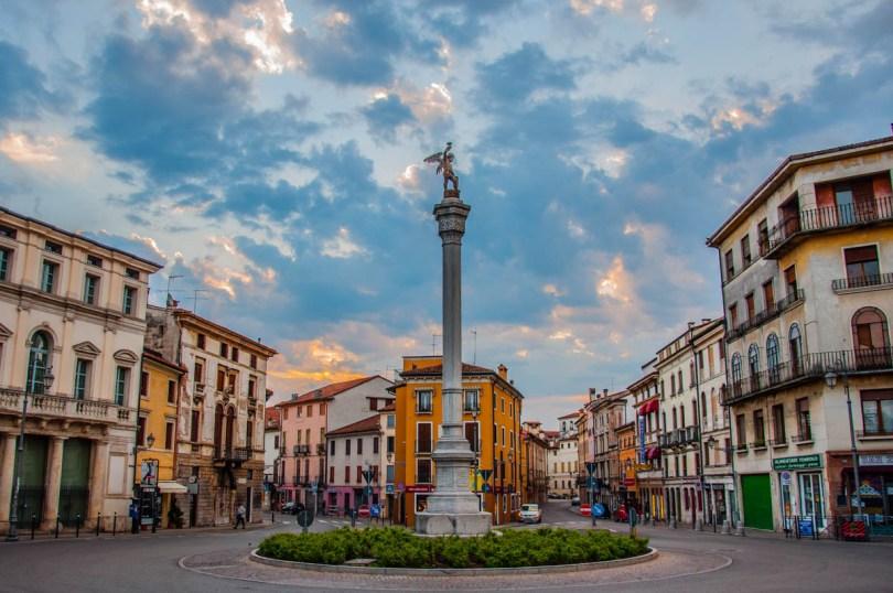 Piazza XX Settembre - Vicenza, Veneto, Italy - rossiwrites.com