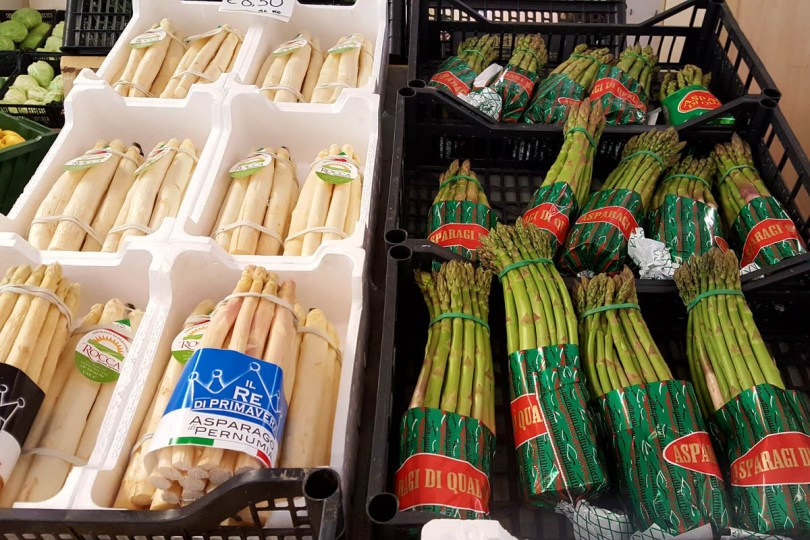 White and Green asparagus - Vicenza, Veneto, Italy - www.rossiwrites.com