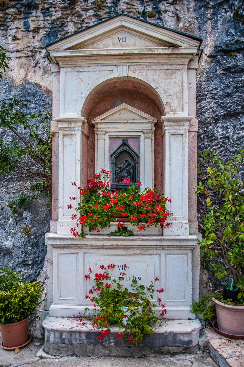 Via Matris by Ugo Zannoni - Sanctuary of Madonna della Corona - Spiazzi, Veneto, Italy - www.rossiwrites.com