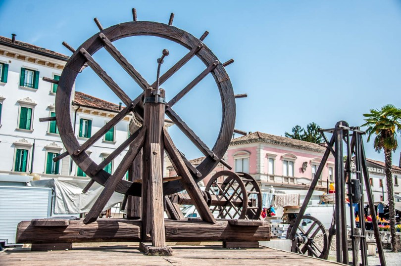 Replicas of Old Machines - Palmanova, Friuli-Venezia Giulia, Italy - www.rossiwrites.com
