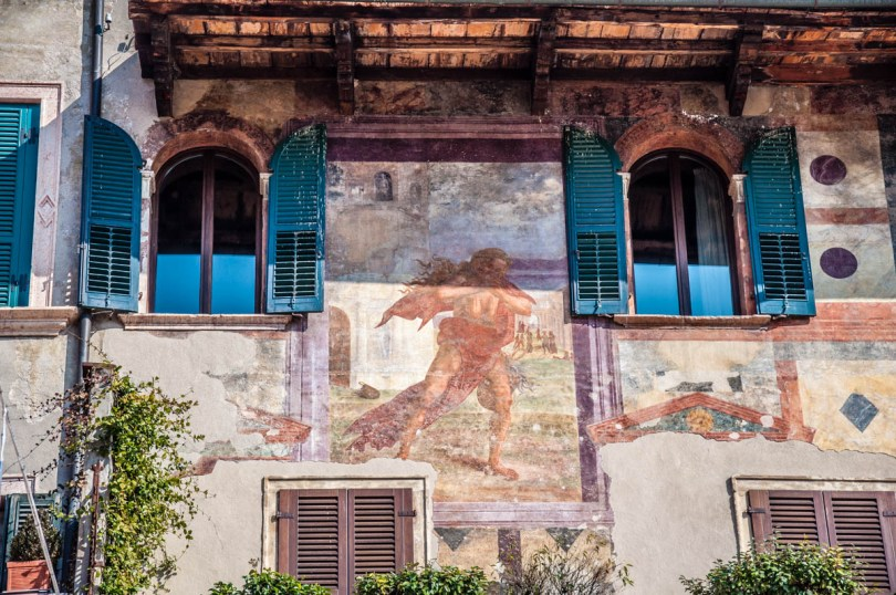 Close-up of the frescoes of the Mazzanti House on Piazza delle Erbe - Verona, Veneto, Italy - rossiwrites.com