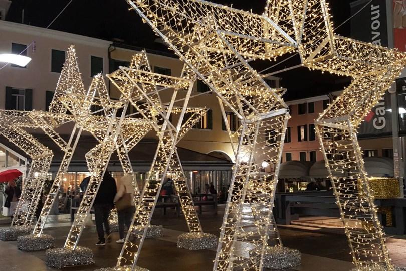 Shiny Christmas stars - Padua, Veneto, Italy - rossiwrites.com