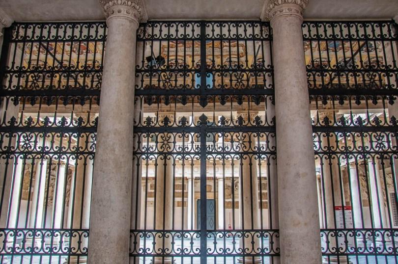 The closed gate of Palazzo Bo - Padua, Italy - rossiwrites.com