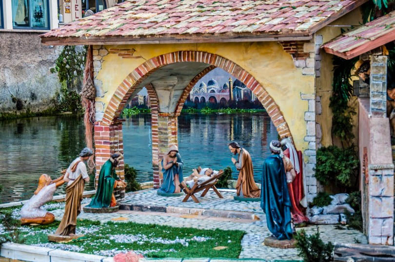 A close-up of the Nativity Scene on the river Aril - Cassone, Lake Garda, Veneto, Italy - rossiwrites.com