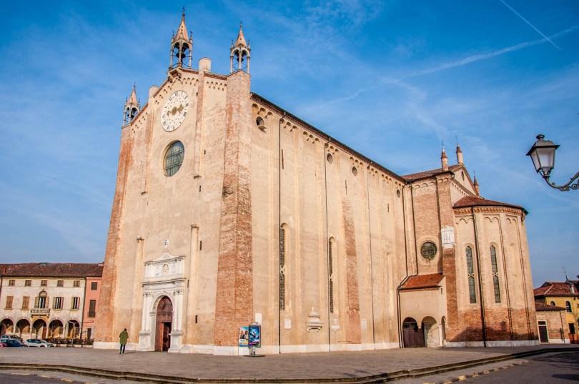 The Late Gothic Duomo of Santa Maria Assunta - Montagnana, Veneto, Italy - rossiwrites.com