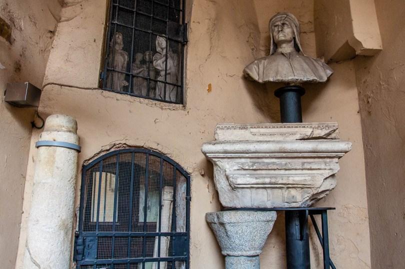 Inside Corte dei Miracoli - Vicenza, Italy - rossiwrites.com
