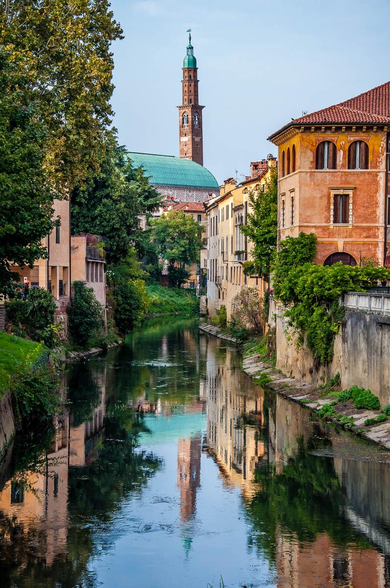 Palladio's Basilica seen from the Furo Bridge - Vicenza, Italy - rossiwrites.com