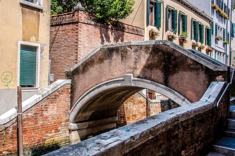 Ponte delle Tette - Venice, Italy - rossiwrites.com