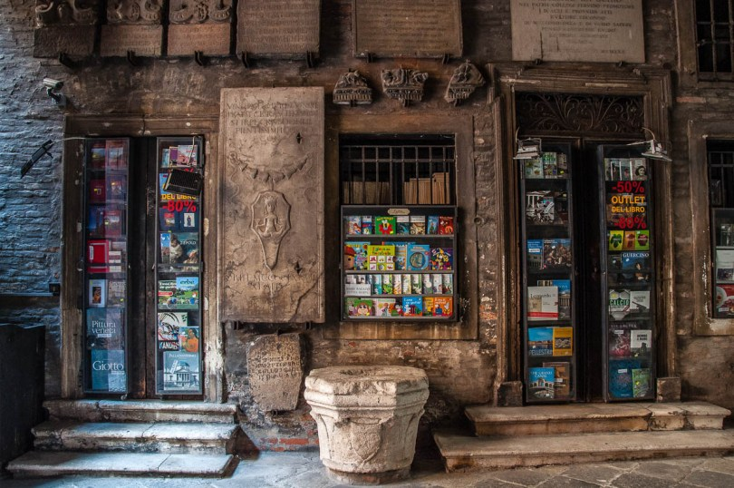 The bookshop inside Palazzo Schio - Vicenza, Italy - rossiwrites.com