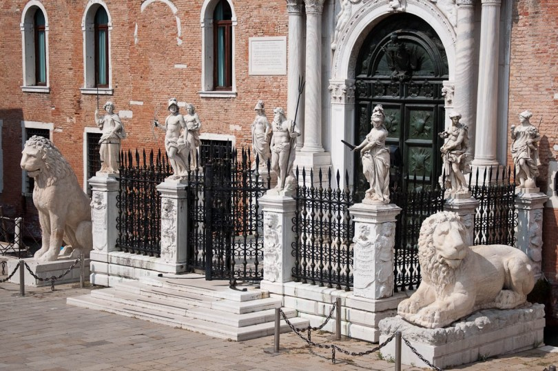 The lions and the statues - Arsenale's Porta Magna - Venice, Italy - rossiwrites.com
