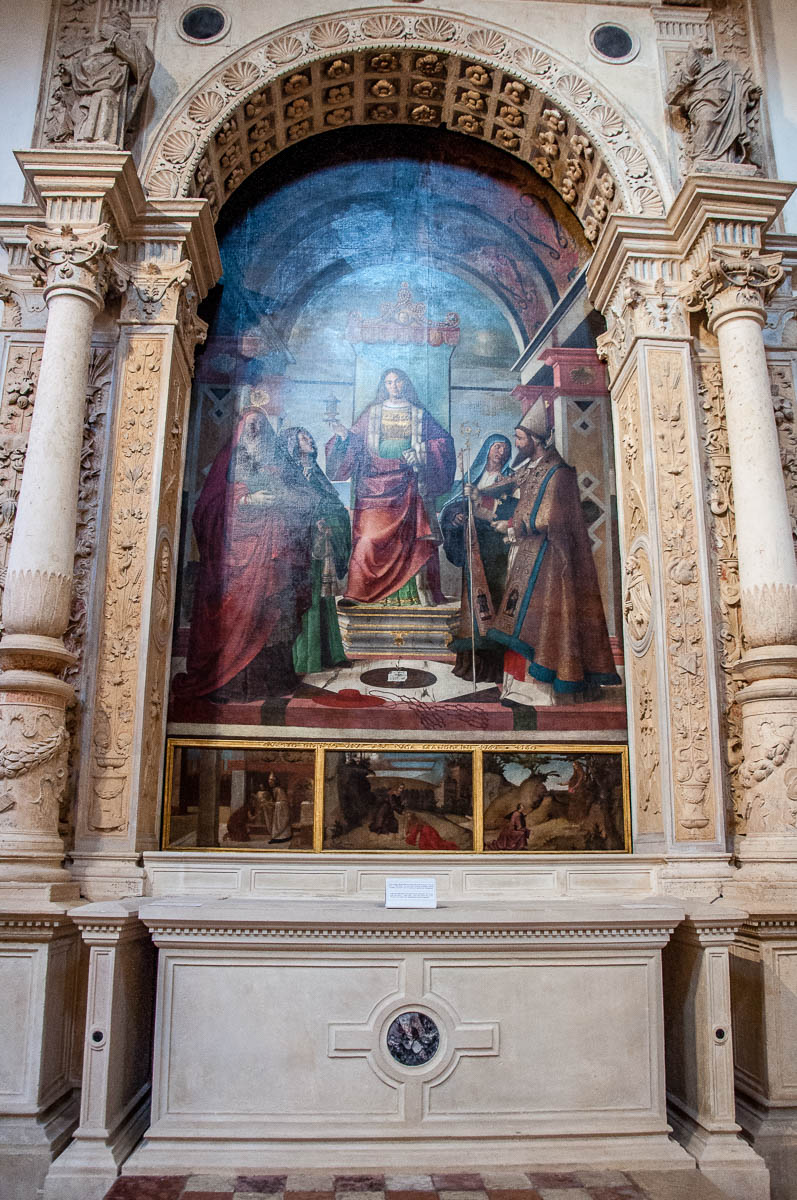 The tomb of Luigi da Porto in the Santa Corona church - Vicenza, Italy - rossiwrites.com