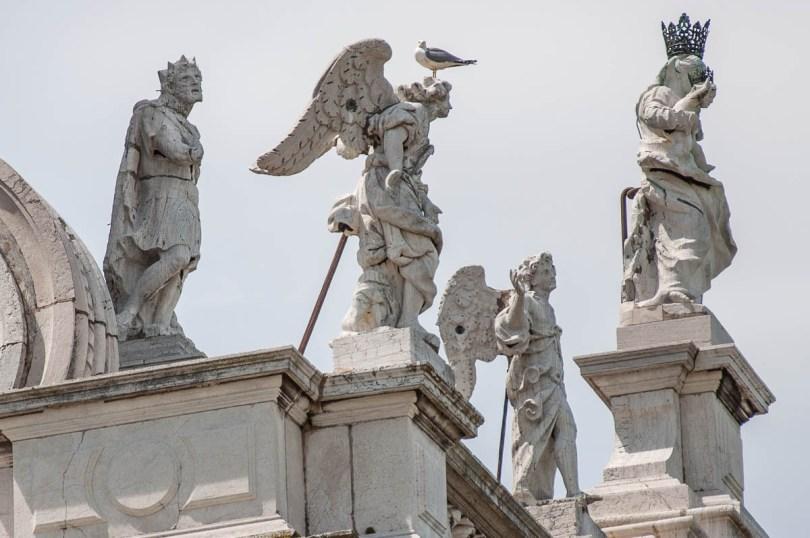 The Basilica della Salute with a seagull - Venice, Italy - rossiwrites.com
