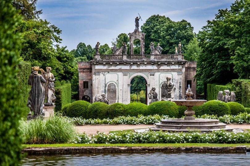 Diana's Doorway - Giardino Valzansibio - Euganean Hills, Padua, Italy - rossiwrites.com