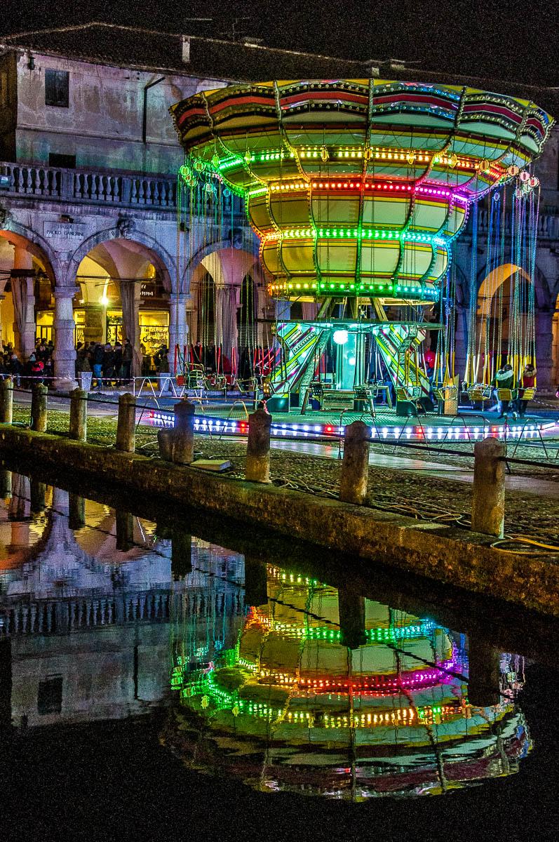 Fairground on Piazza Paolo Camerini - Piazzola sul Brenta - Veneto, Italy - rossiwrites.com
