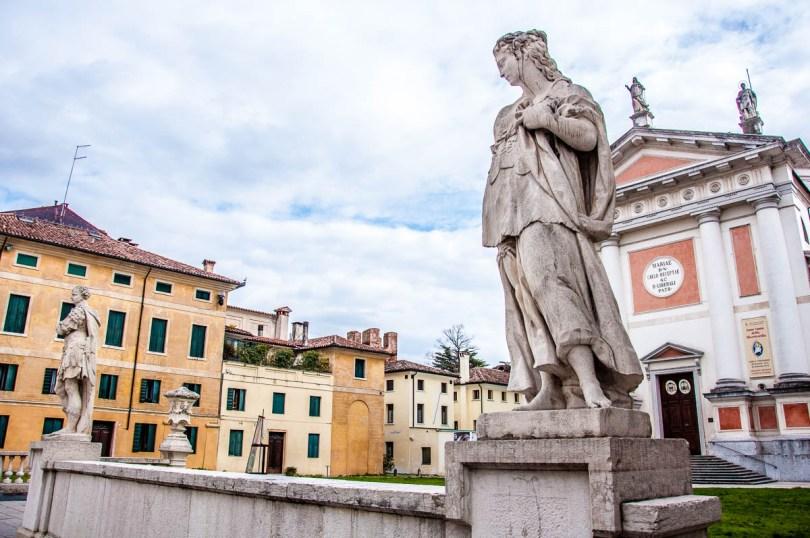 Piazza San Liberale - Castelfranco Veneto, Italy - rossiwrites.com