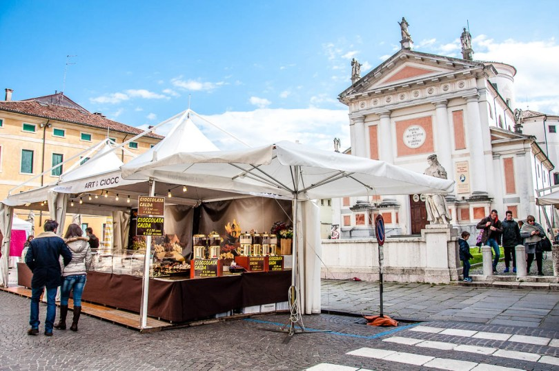 Piazza San Liberale during a chocolate festival - Castelfranco Veneto, Italy - rossiwrites.com