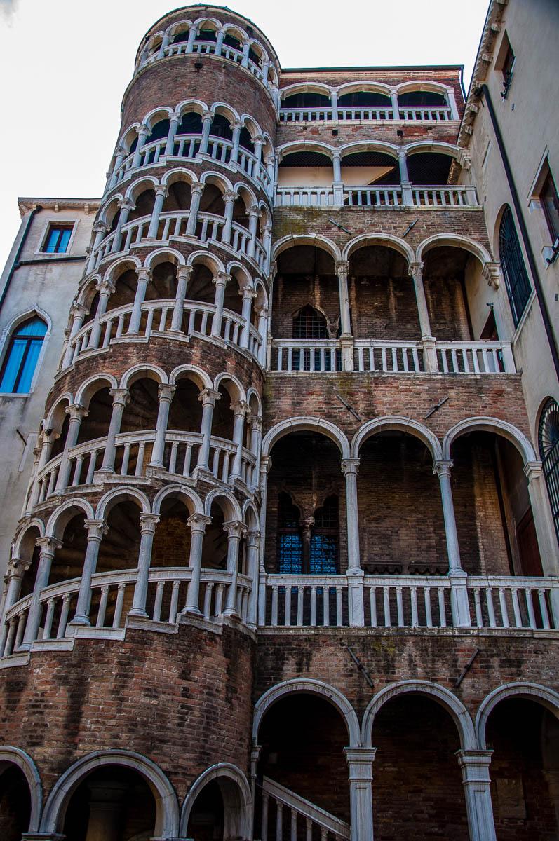 Scala Contarini del Bovolo - Venice, Italy - rossiwrites.com