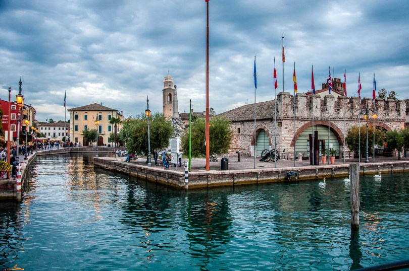 View of Lazise with the Venetian Customs House - Veneto, Italy - rossiwrites.com