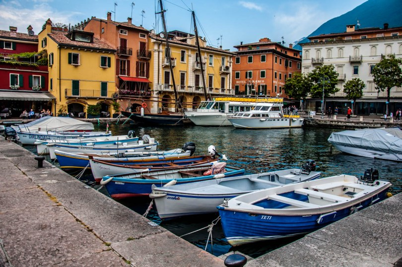The harbour with boats and colourful houses - Malcesine, Veneto, Italy - rossiwrites.com