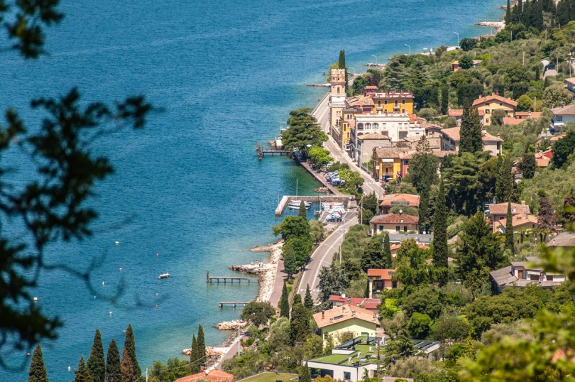 The lake views from the hiking path - Crero, Lake Garda, Veneto, Italy - rossiwrites.com