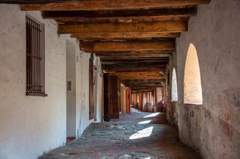 The historical covered and elevated street Via degli Asini - Brisighella, Province of Ravenna - Emilia-Romagna, Italy - rossiwrites.com