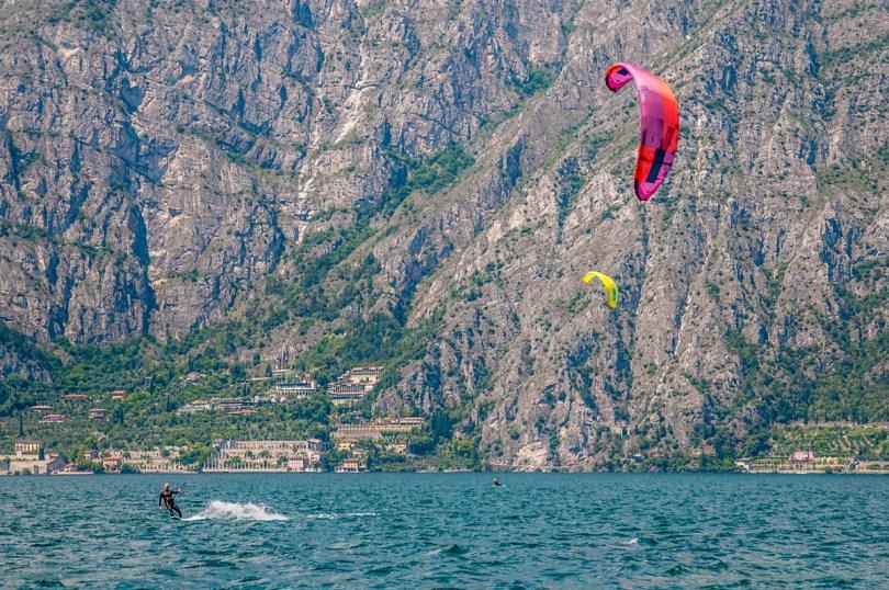 Kitesurfers at Navene beach - Lake Garda, Veneto, Italy - rossiwrites.com