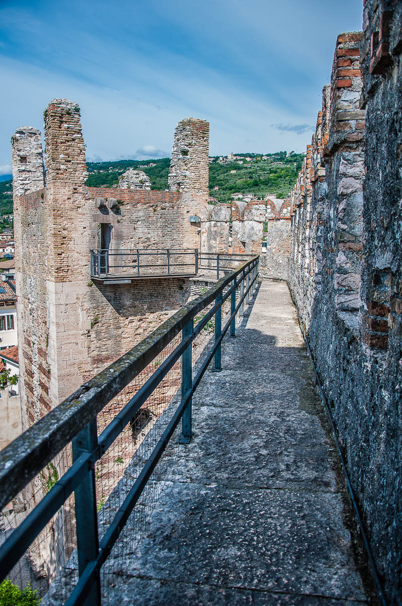 The walkway along the battlements of the Scaliger Castle - Torri del Benaco, Italy - rossiwrites.com