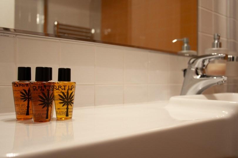 The bathroom of Relais Santa Corona - Vicenza, Italy - rossiwrites.com