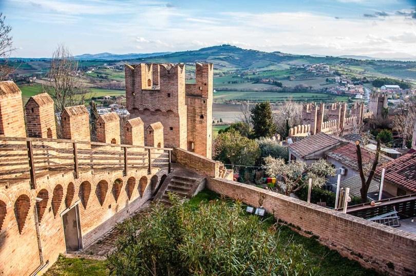 The defensive walls - Gradara, Italy - rossiwrites.com