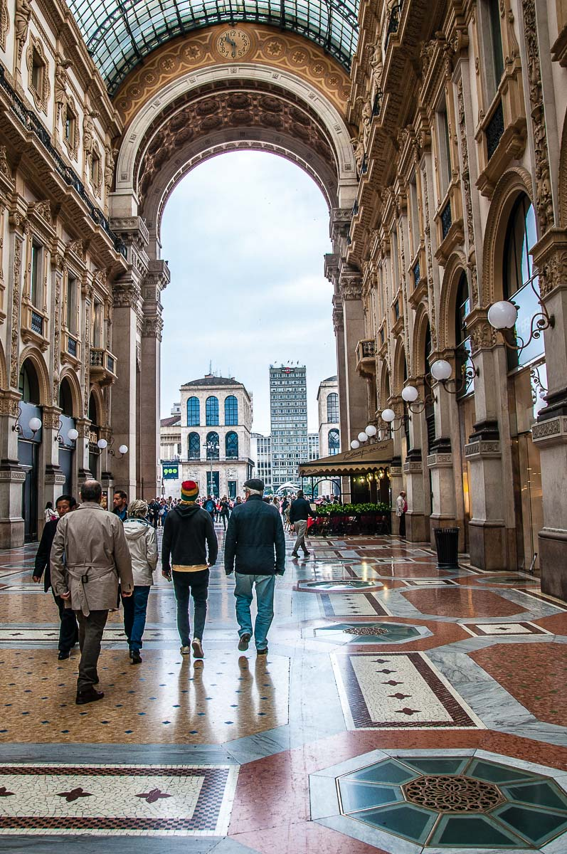 Inside one of the world's oldest shopping centres - Galleria Vittorio Emanuele II - Milan, Italy - rossiwrites.com