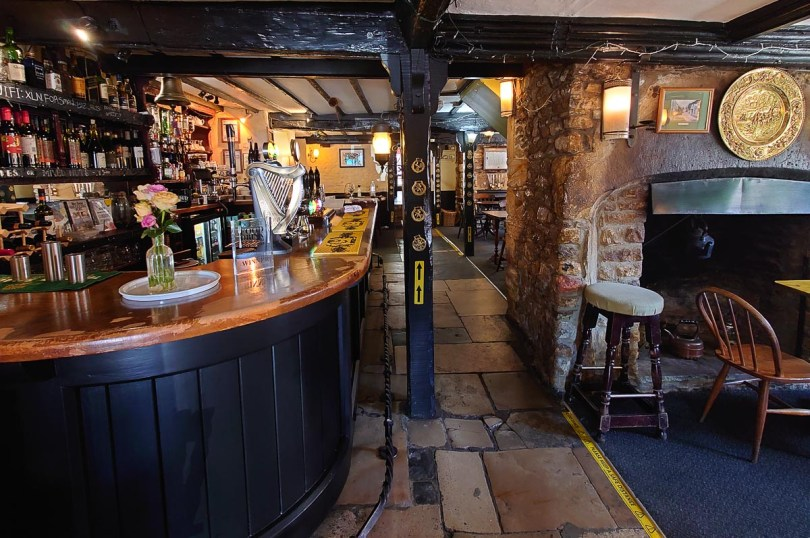 Historic Pub in the village of Cerne Abbas - Dorset, England - rossiwrites.com