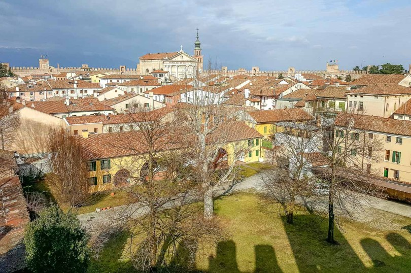 The historic centre seen from the Ronda Walkway - Cittadella, Italy - rossiwrites.com