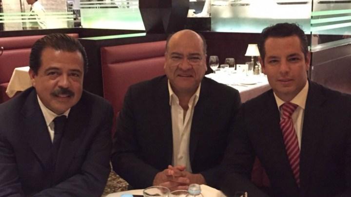 CRÓNICA POLÍTICA: ¿Y de qué platicaron Eviel, Alejandro Murat y Villacaña?