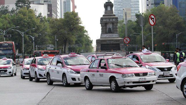Sócrates A. Campos Lemus: Taxistas en plantón