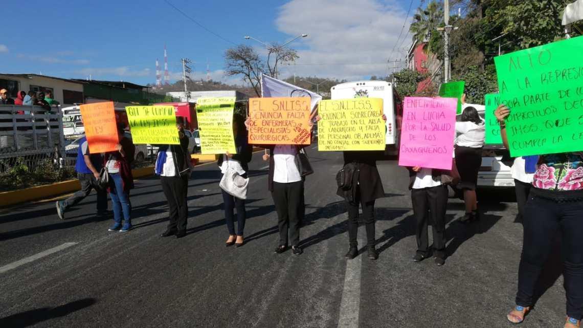 Trabajadores del IMSS protestan para exigir reconocimiento de su sindicato y respeto a derechos laborales