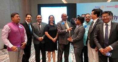 RI Director C Basker (centre) with the DRRs. DG Vinay Bhatia (second from L) and Rotary Coordinator Ashok Gupta (third from R) are also seen in the picture.