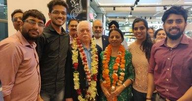 RIPN Sushil Gupta and Vinita along with Rotaractors.