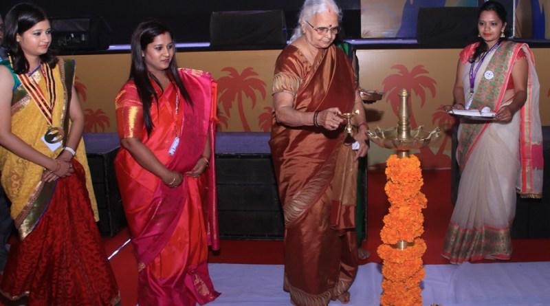 Goa Governor Mridula Sinha inaugurates the conference in the presence of DRR Nishita Pednekar and Rotasia Chair Sai Dhekne.