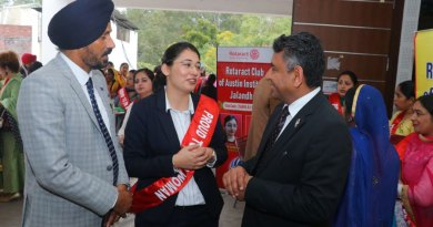 RAC Austin Institutes President Deepika Sharma with IPDG Barjesh Singhal (right) and Rtn Ajit Paul Singh Naphrey.