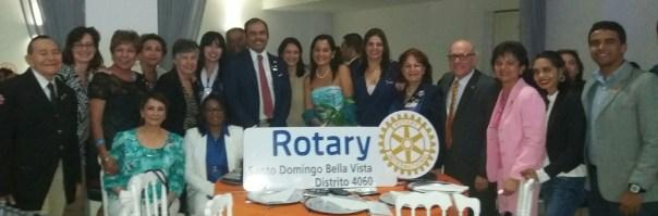 Miembros del Club Rotary Santo Domingo Bella Vista en el Cambio de gobernación